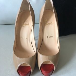 Christian Louboutin Vedome  size 37
